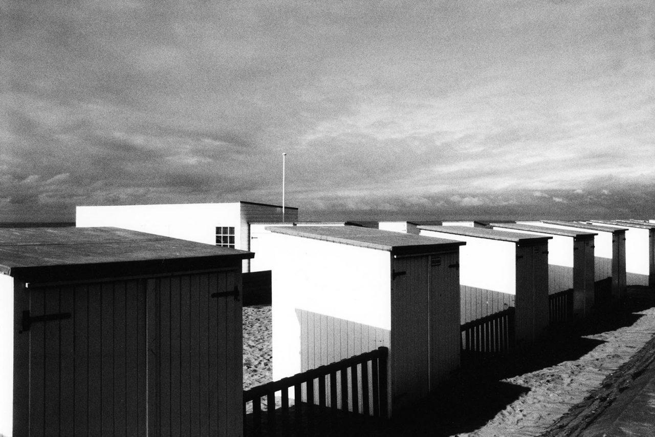 """Knokke-le-Zoute sheds"", Histoires, 2005 - 123 x 83 cm"