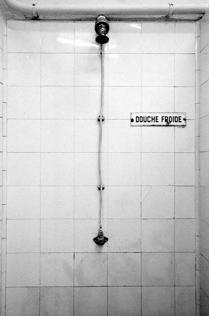 """Douche Froide"", STADE, 2004 - 83 x 123 cm"